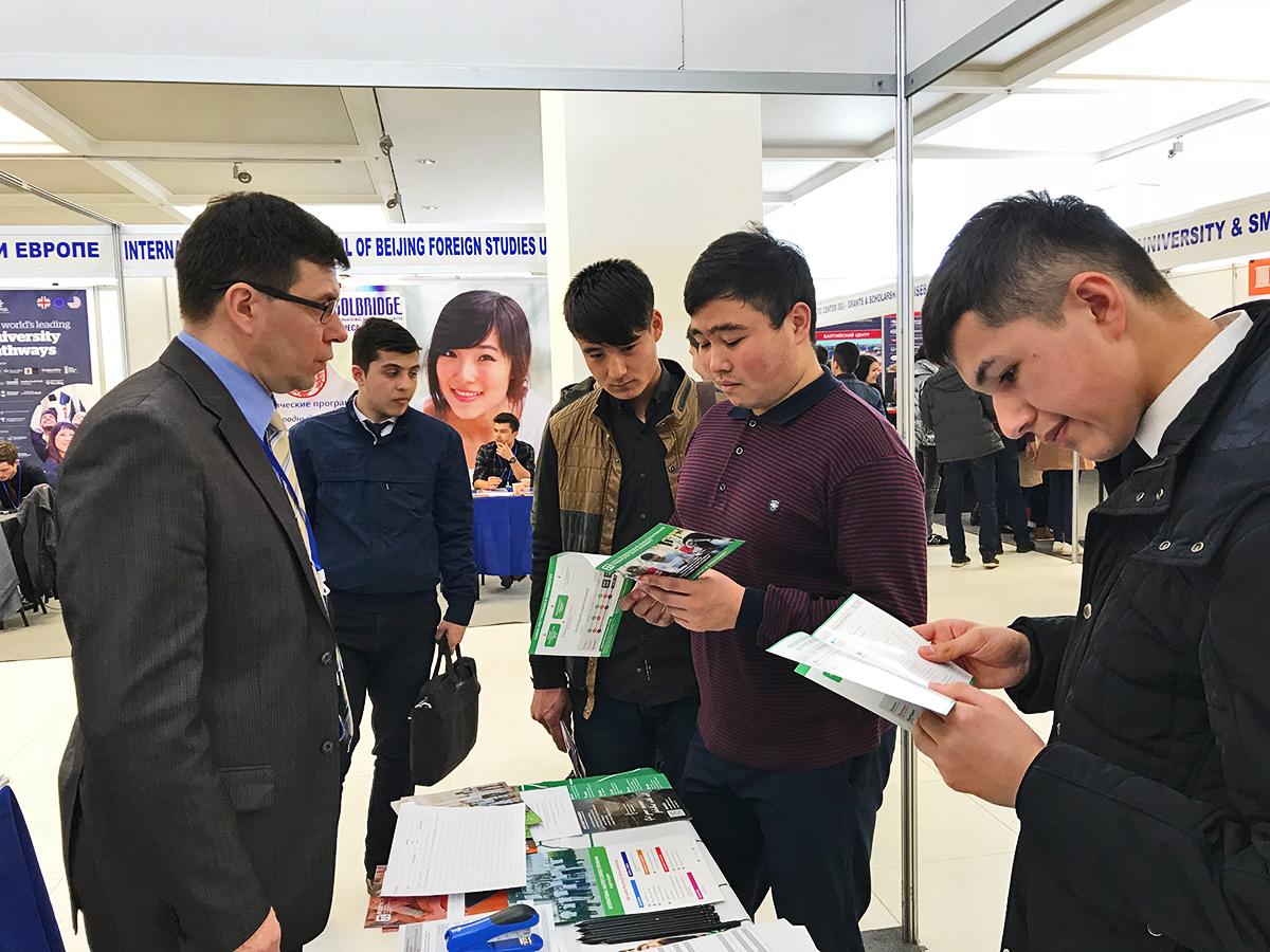 Что хотят знать студенты из Турции и Узбекистана про Политех: итоги образовательных выставок